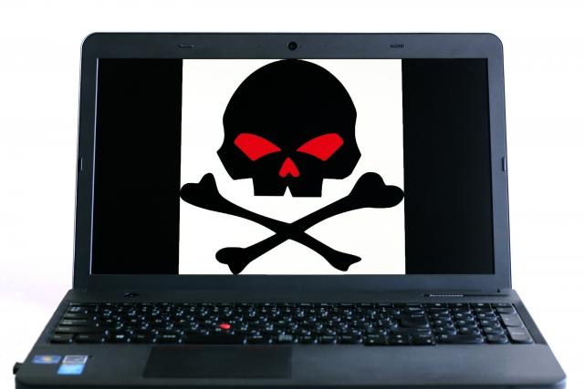 ウイルスに感染したパソコン